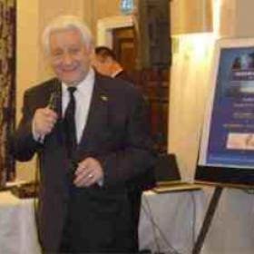 Uk Comedian      Freddie Davis , Royal Varirty show