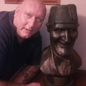 Simmon Keen . With Bust of Tommy Cooper